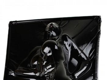 Schwarzes Vakuumbett aus Latex