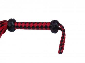 Klassischer BDSM Flogger schwarz rot