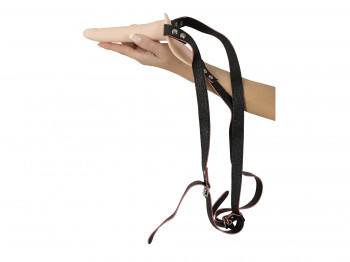 Vibrating Strap-On Harness mit Vibrator