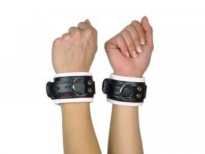 Handfesseln gepolstert und abschließbar schwarz weiß