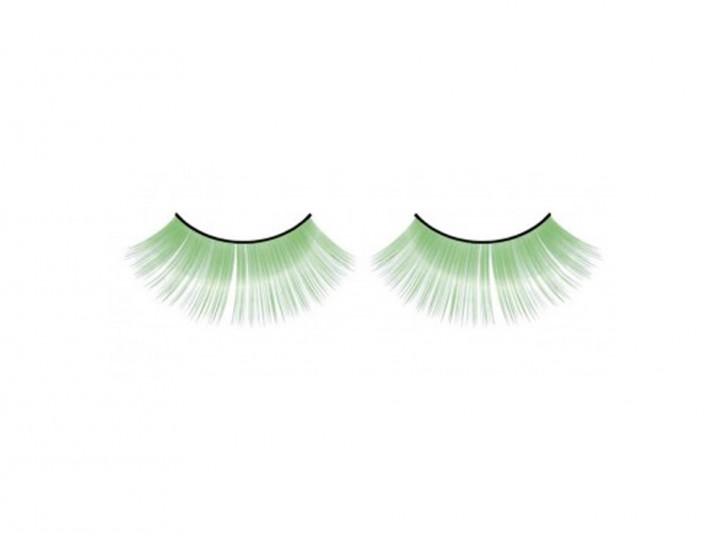 Breit gefächerte Wimpern in hellgrün