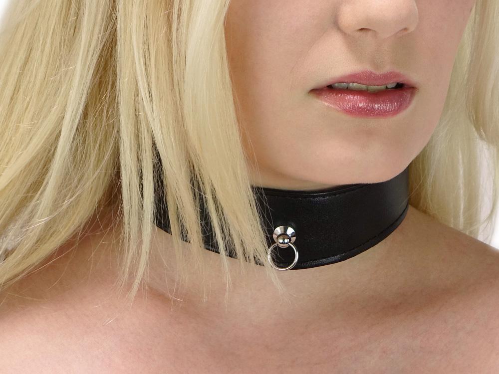 BDSM Halsband Annalie mit Ring der O Gr. S